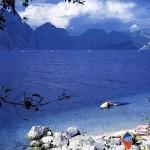 Sauberes Wasser des Gardasees
