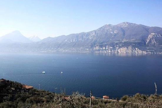 Blick vom Gardasee aus unseren Ferienwohnungen