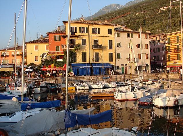 Castelletto di Brenzone - Bild der Hafen