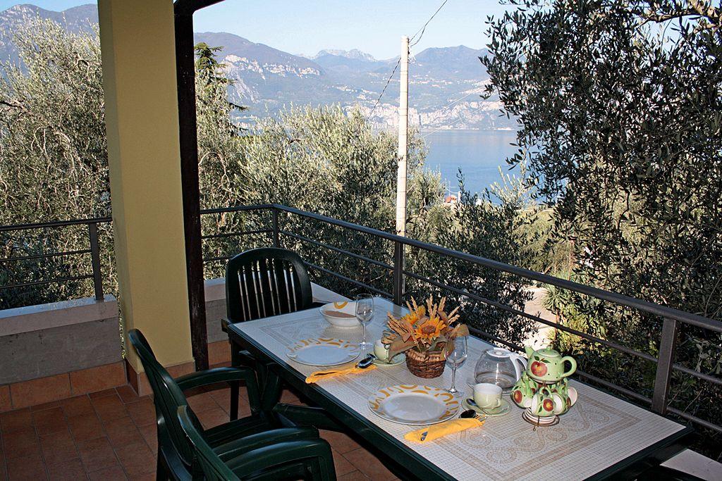 Appartamento tipo A Agriturismo Uliveta - Vista Lago dal Balcone